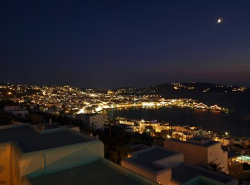 mykonosbeautyatnightoverview